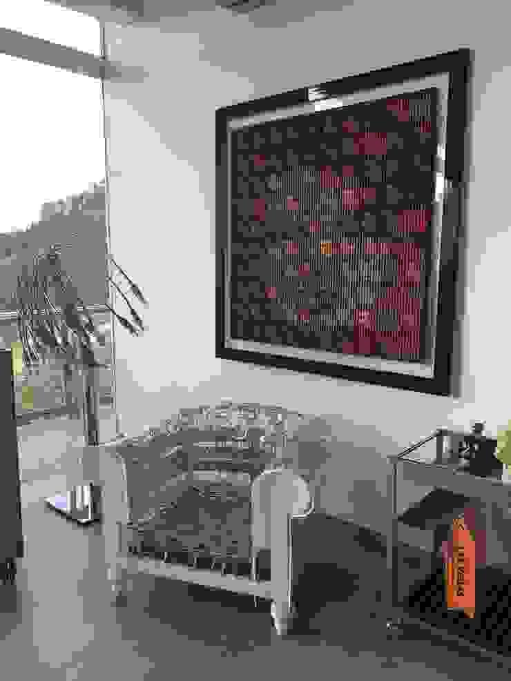 Proyecto en Cumbres de Curumo, Caracas de THE muebles Ecléctico