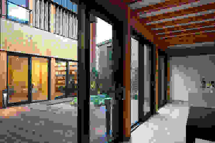 운중동 주택 아시아스타일 온실 by 건축사사무소 ids 한옥