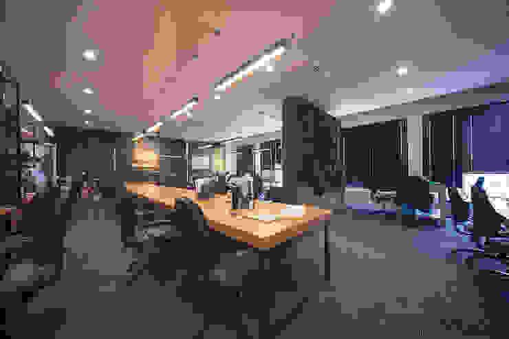 HÌNH ẢNH THI CÔNG HOÀN THIỆN NỘI THẤT INDUSTRIAL OFFICE bởi Bel Decor
