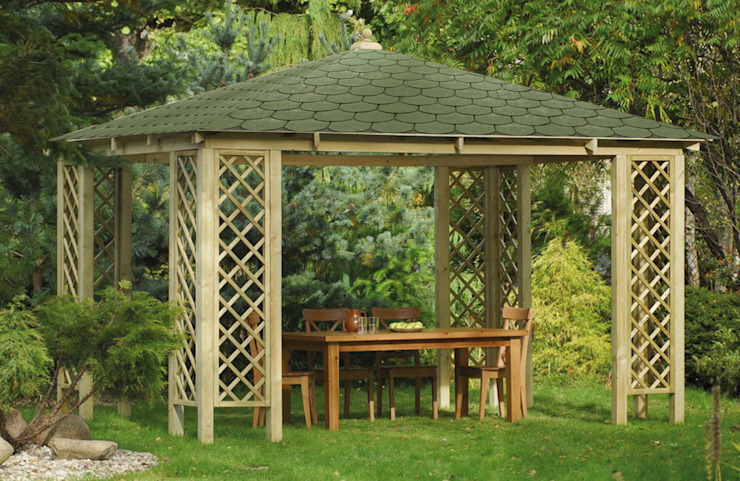 Classic style garden by ONLYWOOD Classic Wood Wood effect