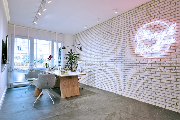 Doğaltaş Atölyesi Clínicas de estilo moderno Ladrillos Blanco