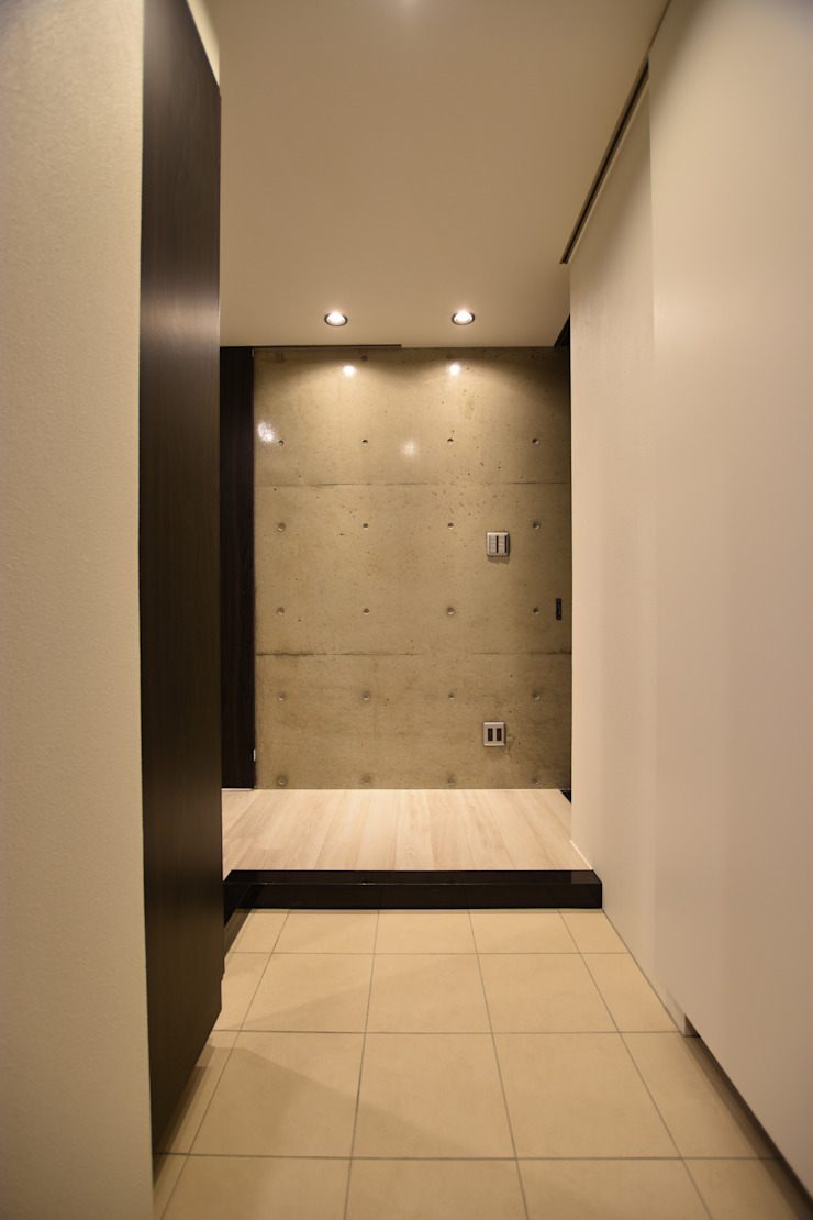 Modern Corridor, Hallway and Staircase by Style Create Modern Reinforced concrete