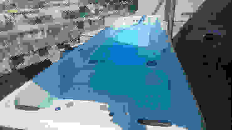 透天別墅露臺泳池的最佳選擇~ 逆泳池設置過程 根據 上群休閒水藝開發有限公司 現代風
