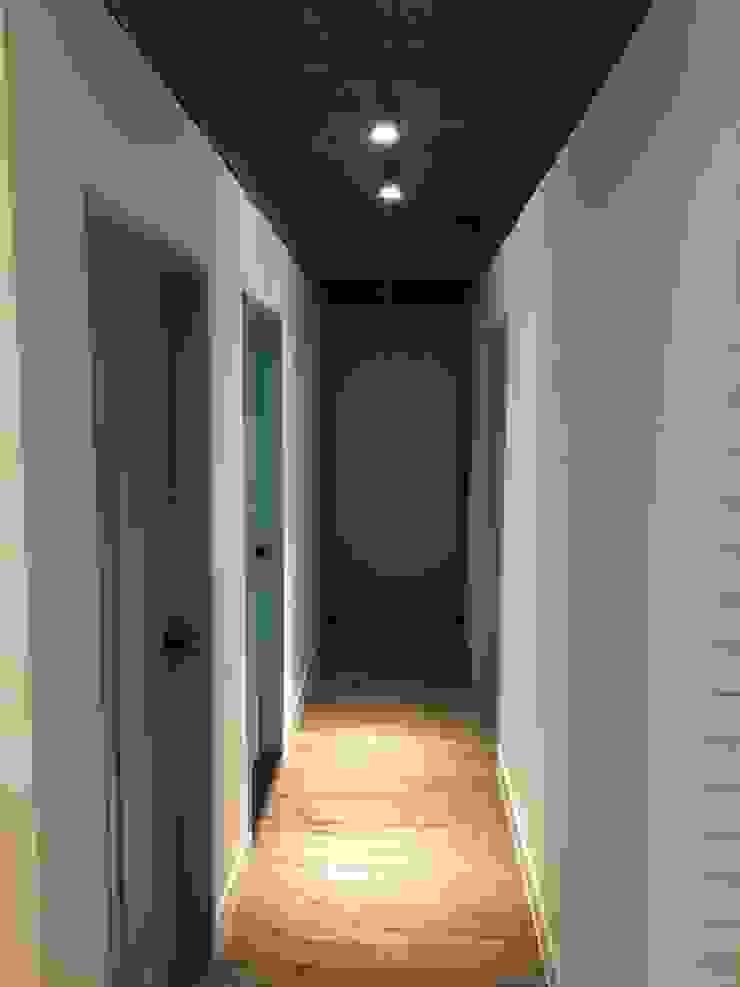 不釘天花板也能有好質感 連雲街設計案 工業風的玄關、走廊與階梯 根據 捷士空間設計(省錢裝潢) 工業風