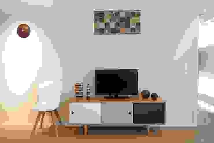Ruang Keluarga Gaya Skandinavia Oleh Baltic Design Shop Skandinavia Kayu Wood effect