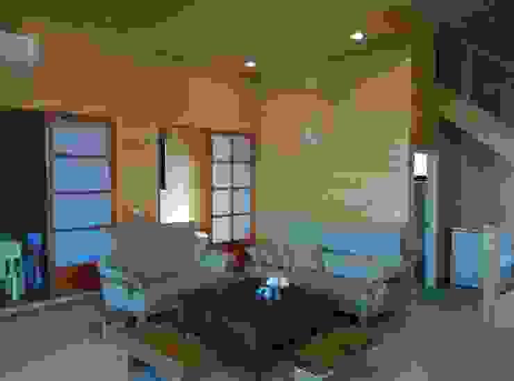 地興木屋有限公司 Living room Solid Wood