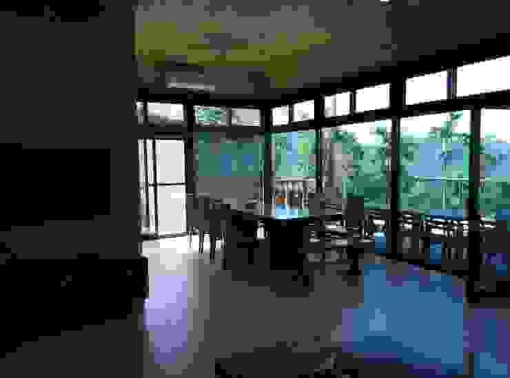 餐廳 地興木屋有限公司 Asian style dining room Solid Wood