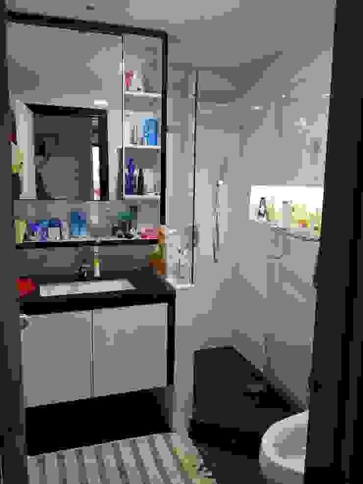 Apartment Mr. Nicholas Kamar Mandi Modern Oleh Elora Desain Modern