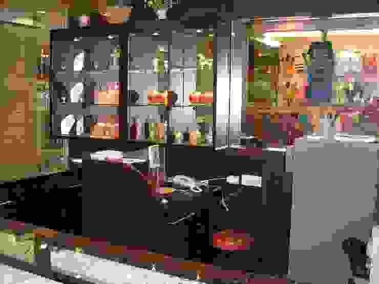 Jewelry Shop Kantor & Toko Modern Oleh Elora Desain Modern
