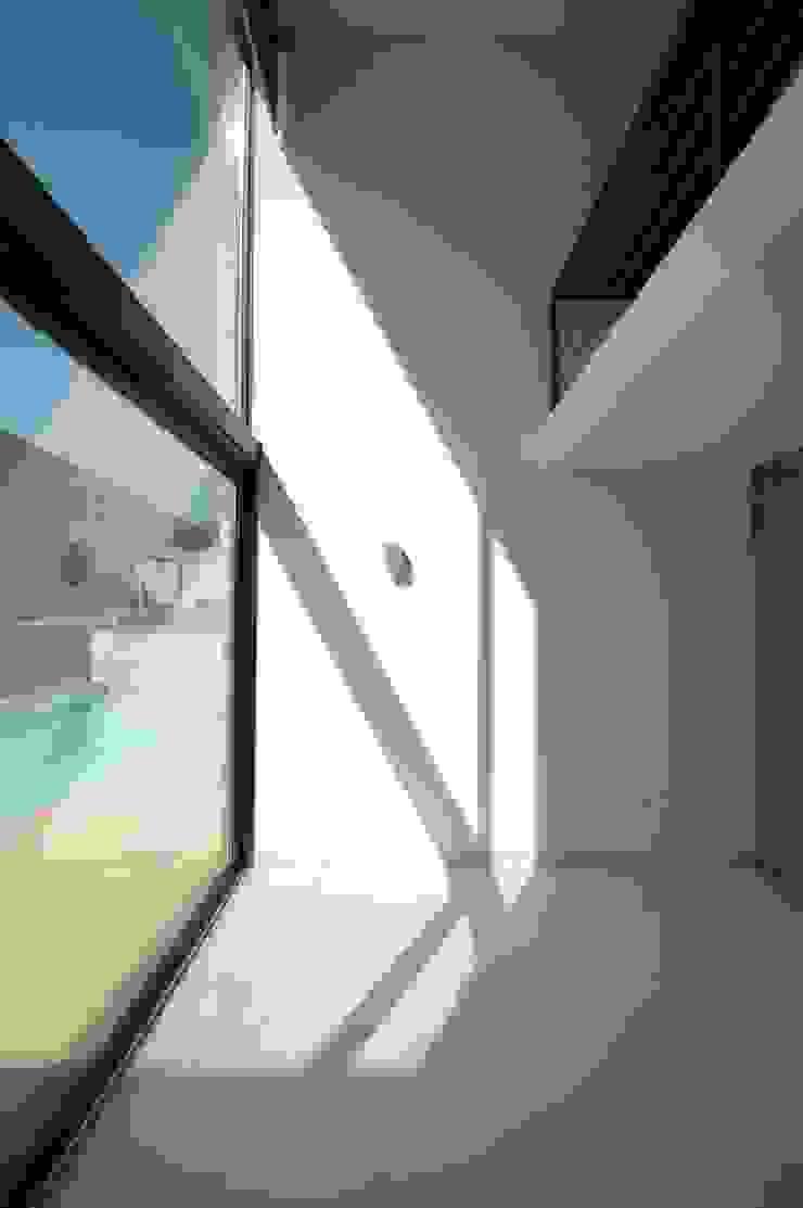 Villa unifamiliare con piscina a Foligno (PG) Soggiorno moderno di Fabricamus - Architettura e Ingegneria Moderno