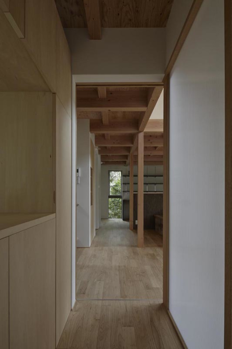 イン・エクスデザイン / in-ex design.Co.,Ltd. Modern Corridor, Hallway and Staircase