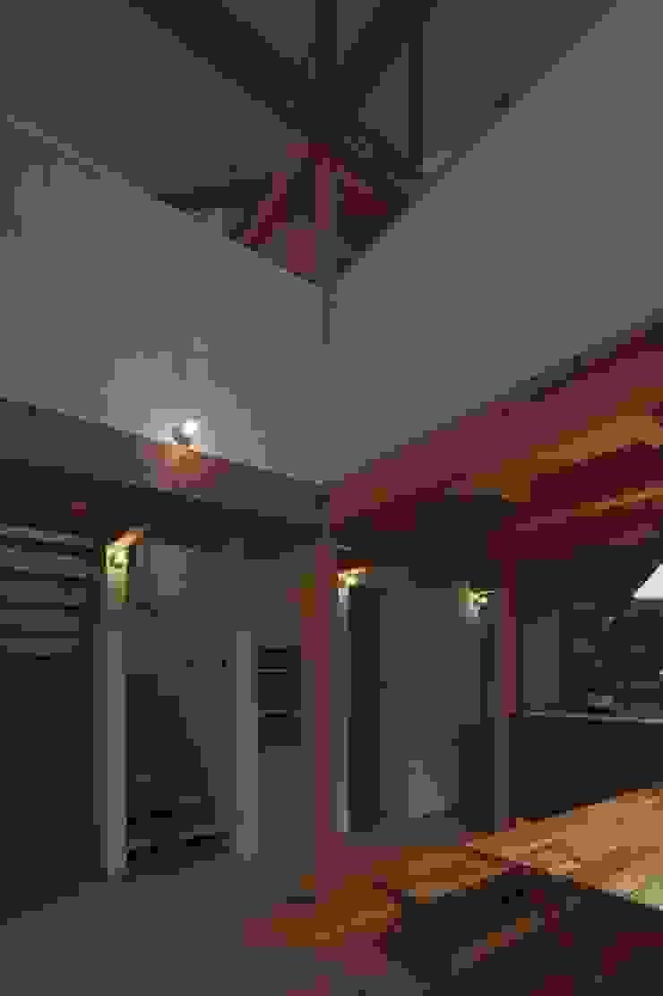 イン・エクスデザイン / in-ex design.Co.,Ltd. Modern living room