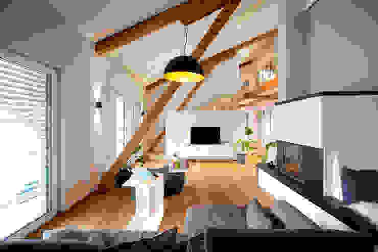 Salas de estilo rural de Klaus Geyer Elektrotechnik Rural