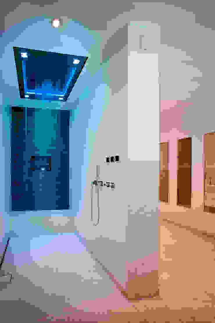 Klaus Geyer Elektrotechnik Modern style bathrooms