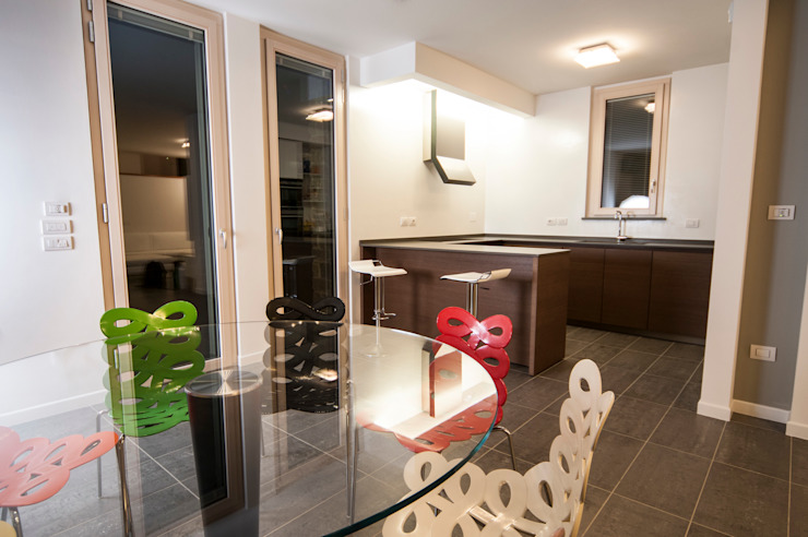 Villa unifamiliare a Bastia Umbra (PG) Sala da pranzo moderna di Fabricamus - Architettura e Ingegneria Moderno