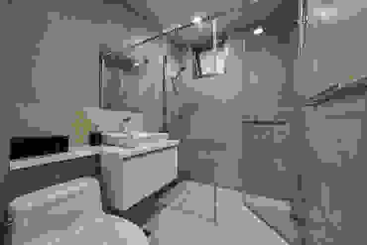 廁所 現代浴室設計點子、靈感&圖片 根據 王采元工作室 現代風