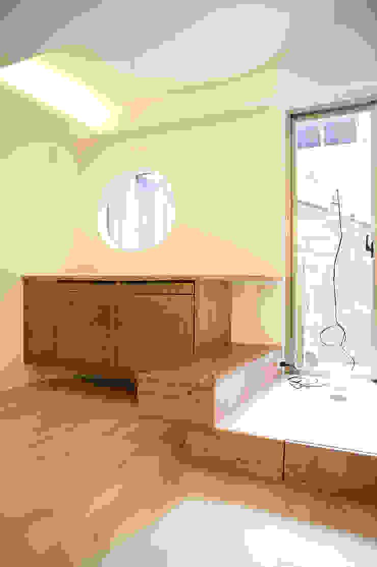 客廳窗邊平台 根據 王采元工作室 隨意取材風