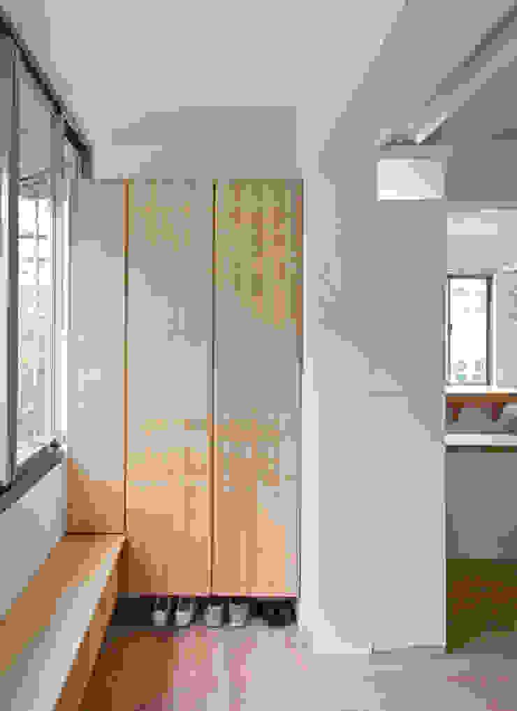 入口玄關 現代風玄關、走廊與階梯 根據 王采元工作室 現代風