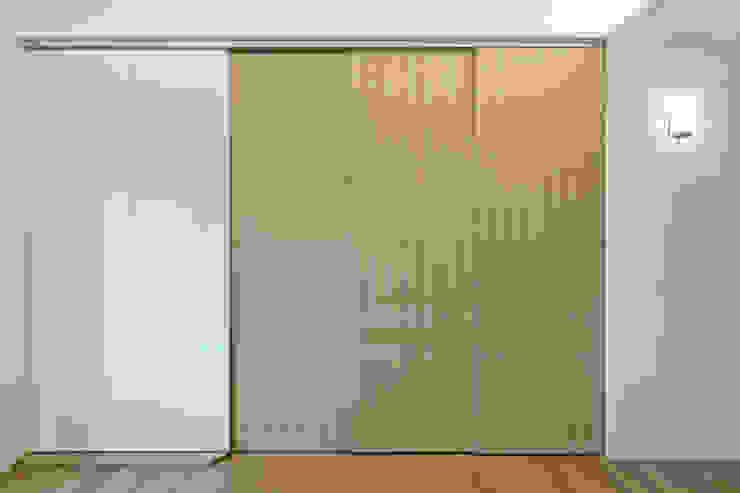 主臥與和室 根據 王采元工作室 現代風