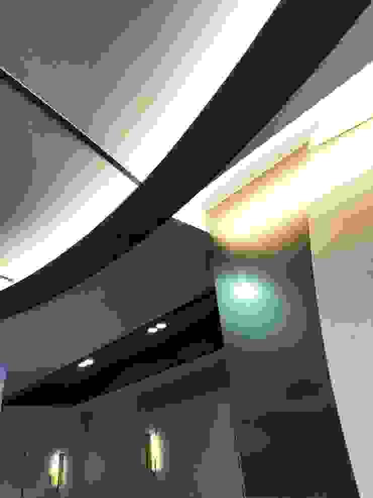 傳遞品牌中對工藝的追求 & 美的堅持… 根據 騰龘空間設計有限公司 現代風
