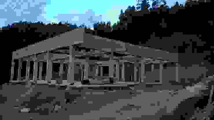 LA CAMPERONA Casas de estilo rural de GRUPO ARBITEK S.A.S Rural