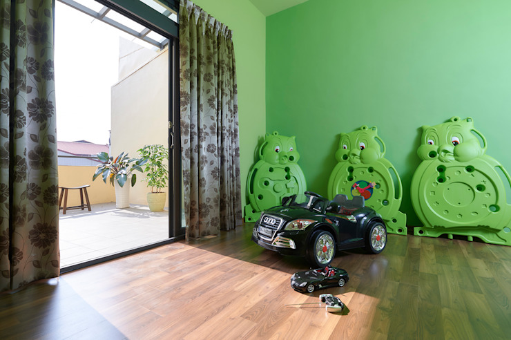 Nursery/kid's room by 瑞瑩室內裝修設計工程有限公司,