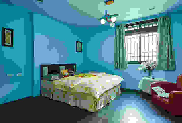 Minimalist nursery/kids room by 瑞瑩室內裝修設計工程有限公司 Minimalist