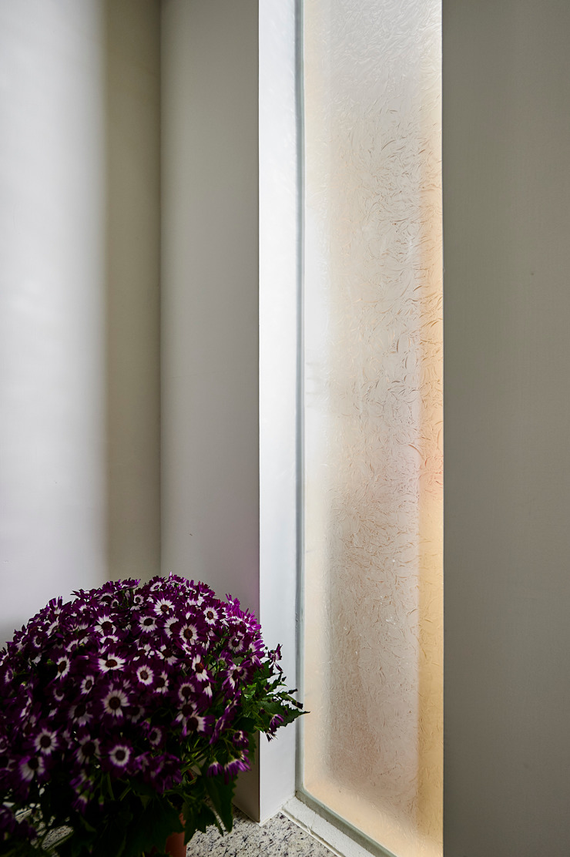 Minimalist walls & floors by 瑞瑩室內裝修設計工程有限公司 Minimalist