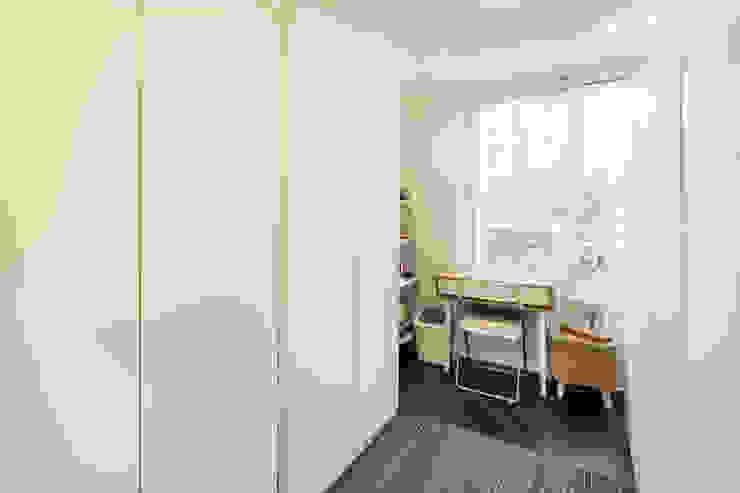 Modern study/office by 봄디자인 Modern