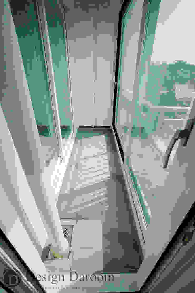 암사동 한강포스파크 25py 발코니 모던스타일 발코니, 베란다 & 테라스 by Design Daroom 디자인다룸 모던