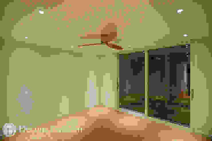 암사동 한강포스파크 25py 안방 모던스타일 미디어 룸 by Design Daroom 디자인다룸 모던