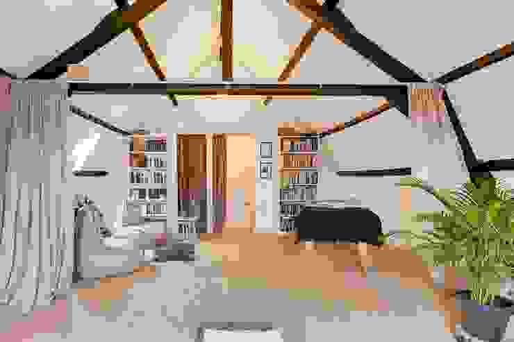 Interne verbouwing Leiden Moderne slaapkamers van Puurbouwen Modern