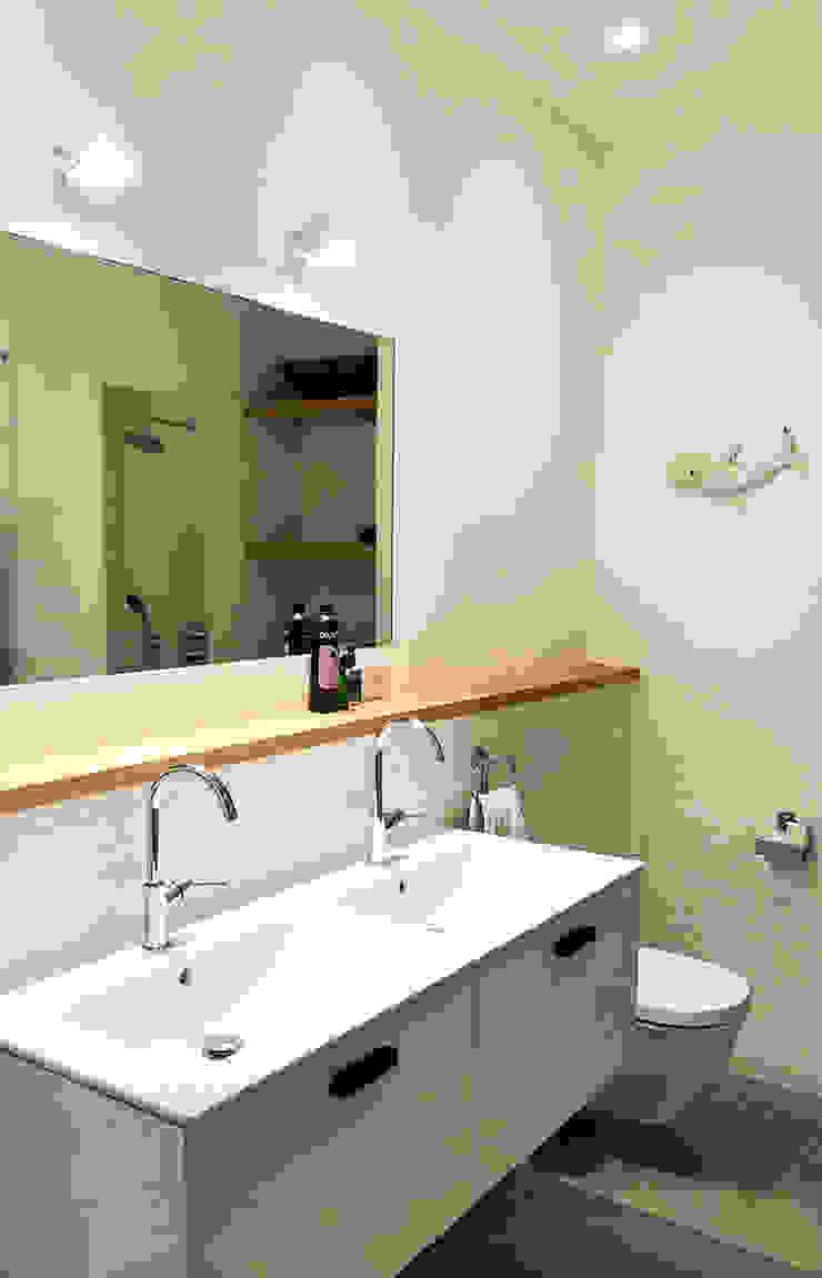 Badkamer Amsterdam Moderne badkamers van Puurbouwen Modern