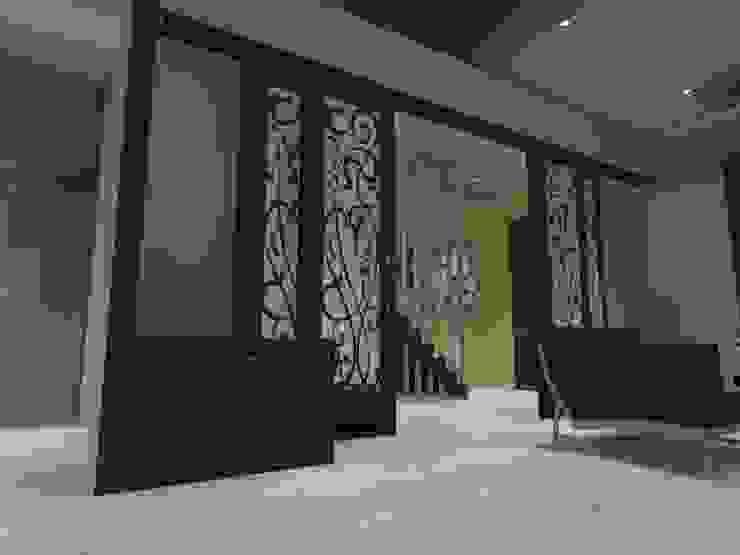 hall Pasillos, halls y escaleras minimalistas de ATELIER3 Minimalista Bambú Verde