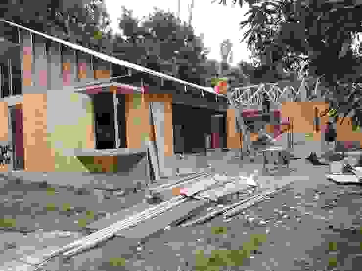 vista exterior living-comedor Casas de estilo rural de ATELIER3 Rural