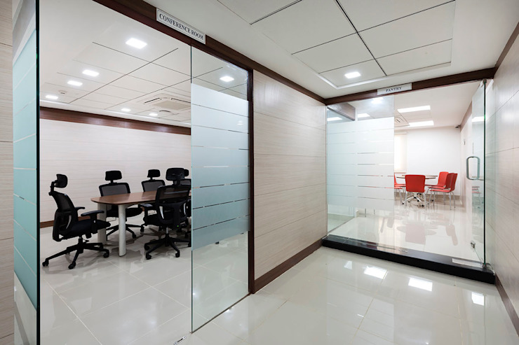 corridore: modern  by Elcon Infrastructure, Modern Plywood