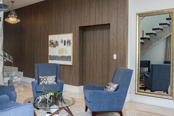 Ruang Keluarga Modern Oleh Erlon Tessari Arquitetura e Design de Interiores Modern