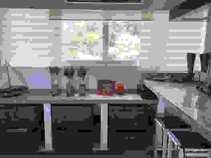 Apartamento de playa RedecoraYa VestidoresAlmacenamiento Bambú Marrón