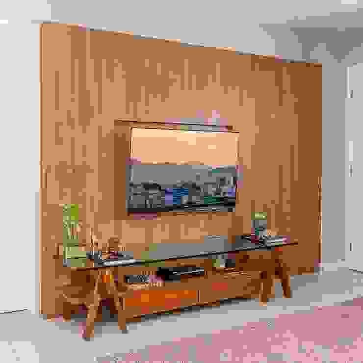 Sala de Estar e Jantar: Salas de estar  por Erlon Tessari Arquitetura e Design de Interiores,Moderno