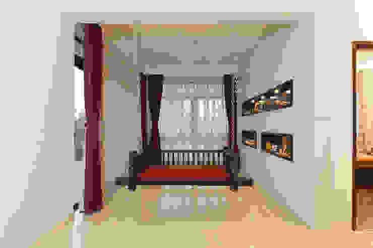 Klassischer Balkon, Veranda & Terrasse von Synergy Architecture and Interiors Klassisch