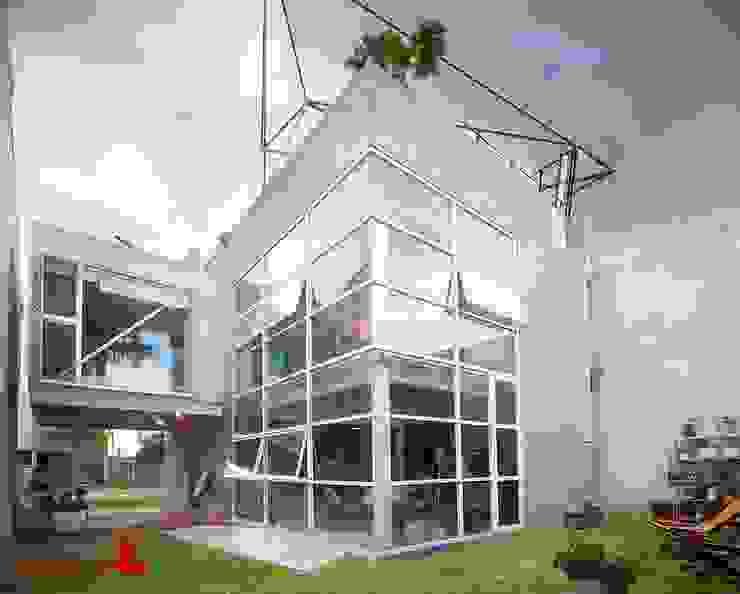 Casa CDP: Casas multifamiliares de estilo  por tactic-a