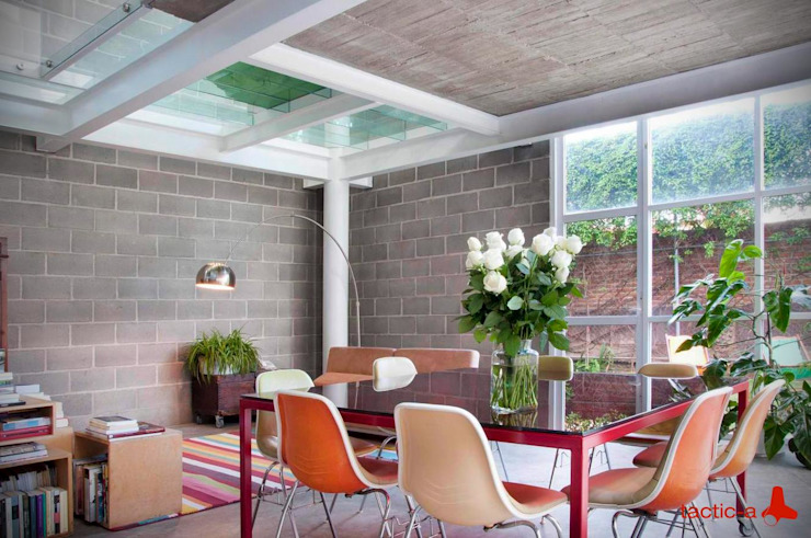 homify Industrial style dining room Bricks Multicolored