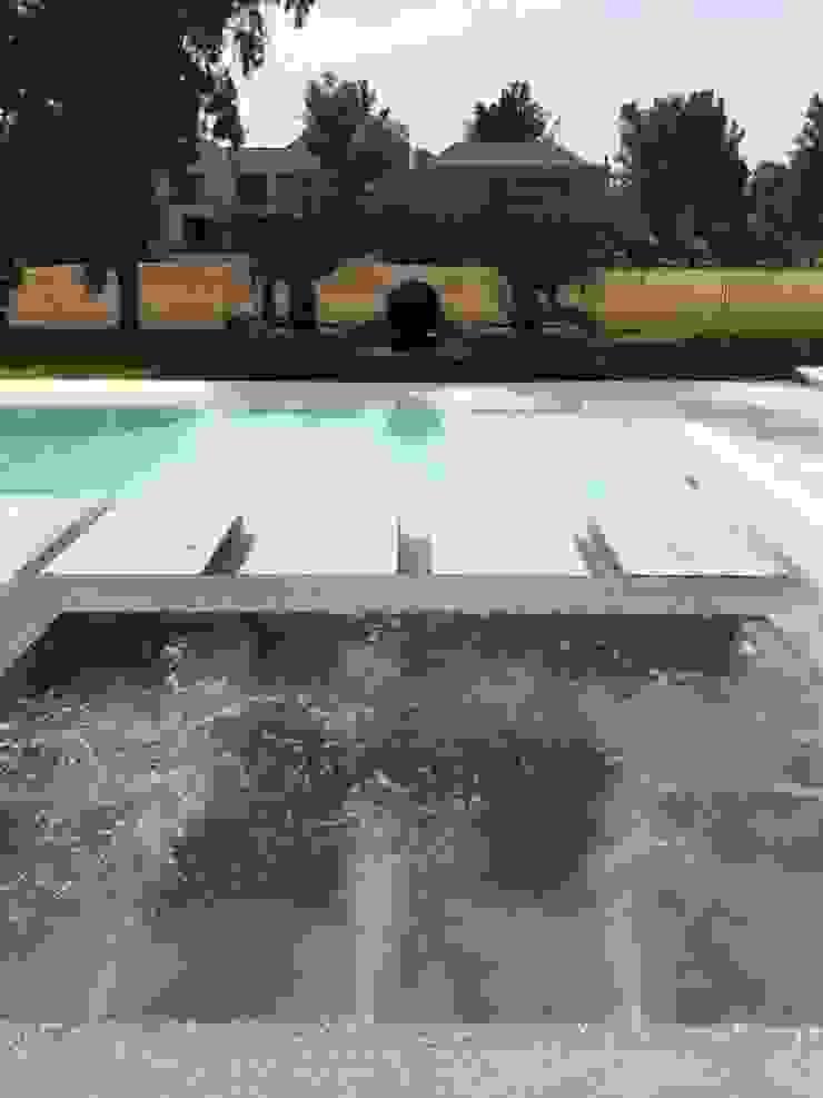 Oleh Surpool - Diseño de Espacios de Agua Modern
