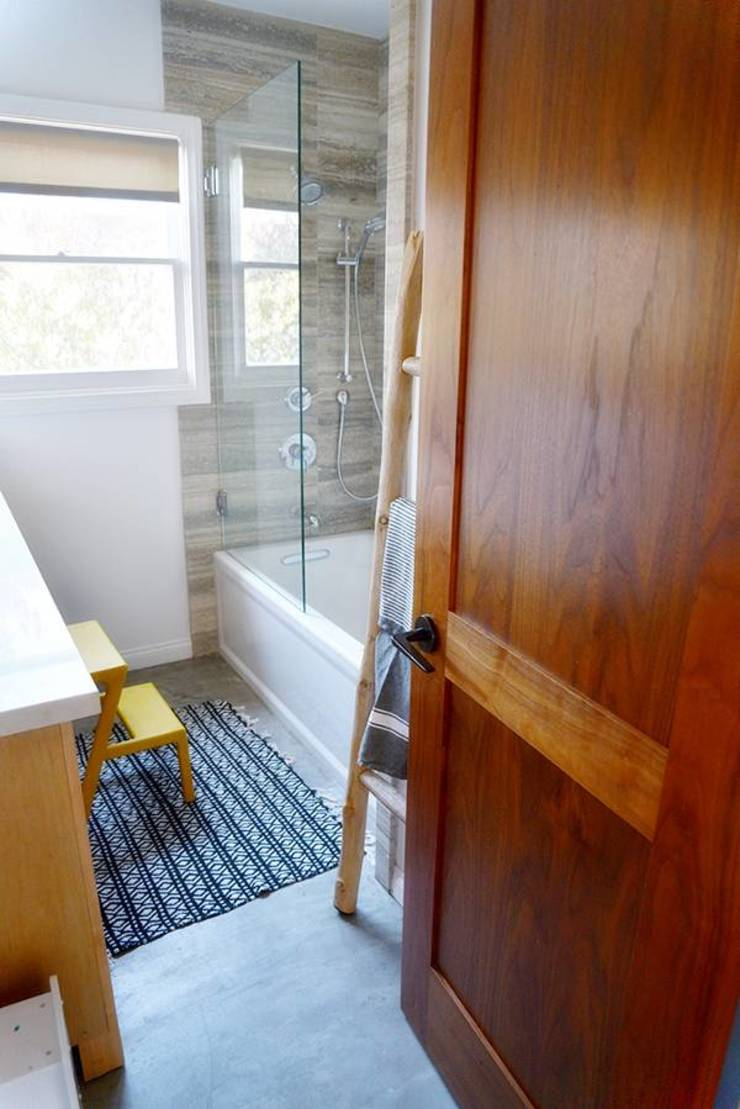 PHOTO: EMMA FEIL PHOTOGRAPHY Phòng tắm phong cách hiện đại bởi Phương Đàm Hiện đại