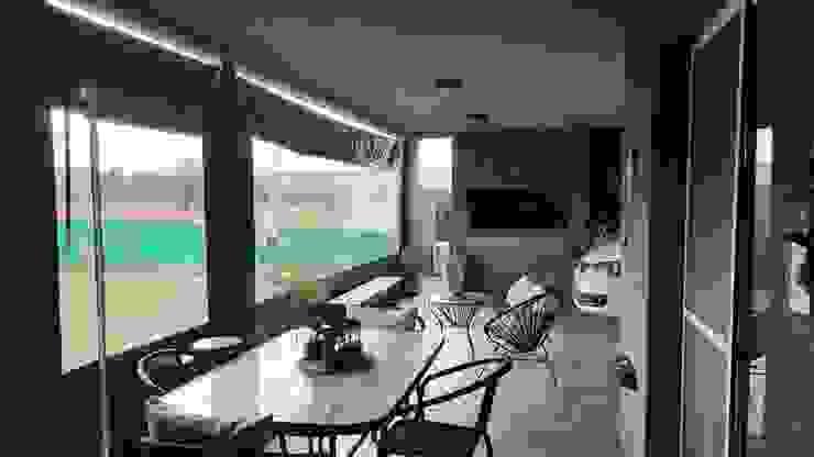GALERIA ASADOR: Jardines de invierno de estilo  por INTEGRA ESTUDIO