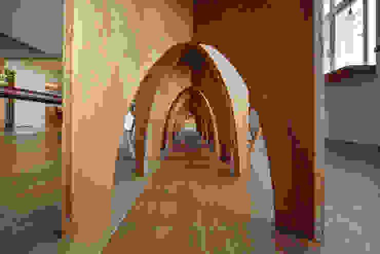 桌下風景 根據 王采元工作室 隨意取材風 合板