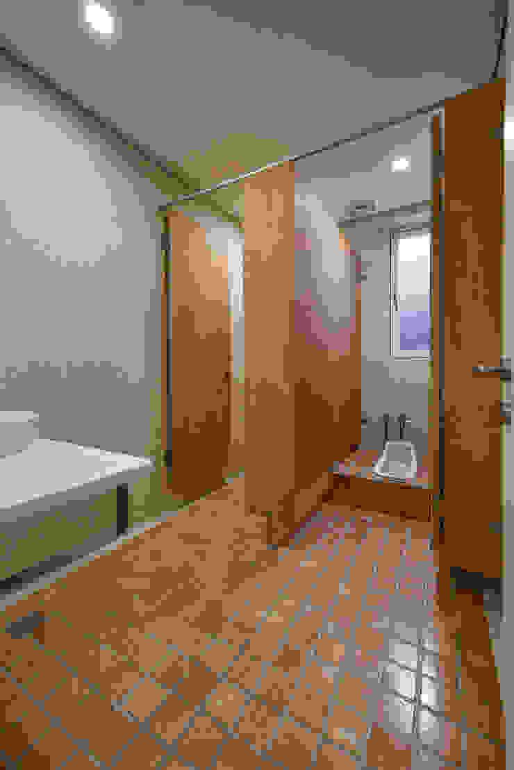 女廁 根據 王采元工作室 隨意取材風