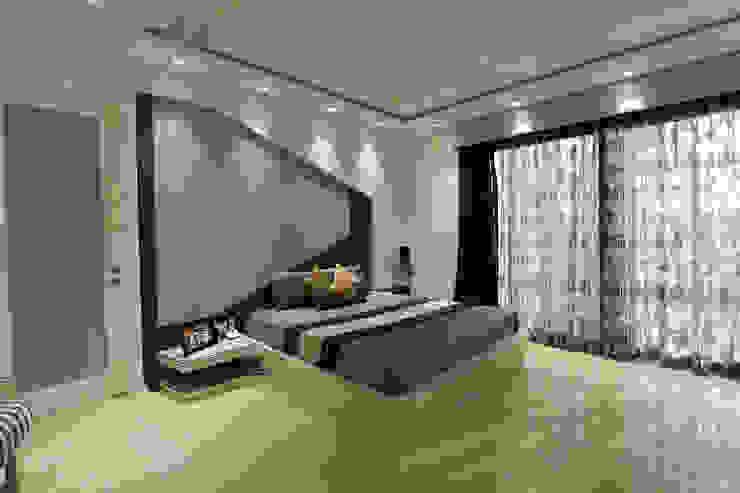 Árhat Villa Modern style bedroom by Conarch Architects Modern