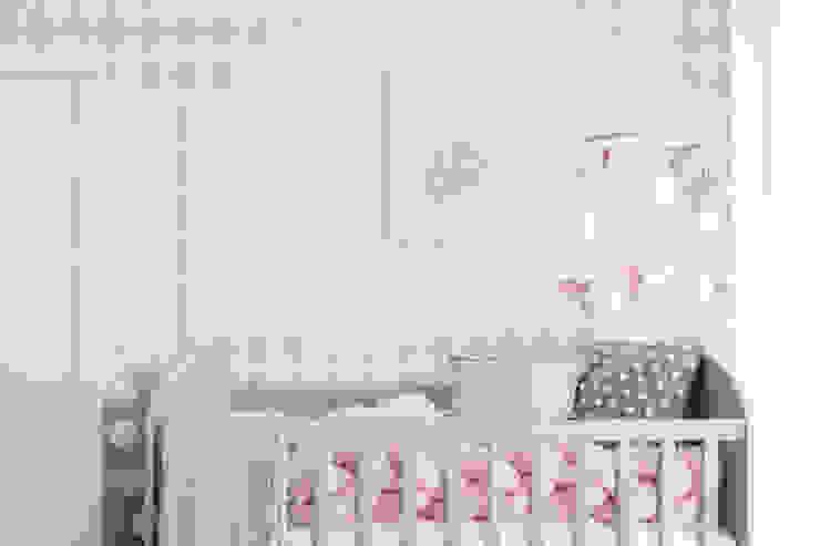 Quarto da Maria Luísa Quartos de criança ecléticos por This Little Room Eclético