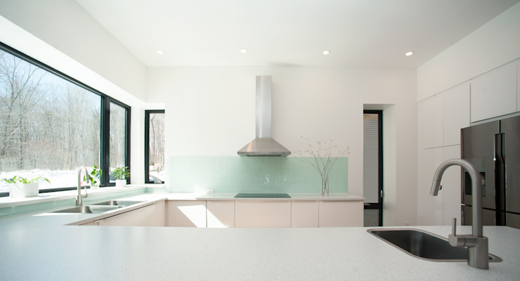 Kitchen 2 Modern kitchen by Solares Architecture Modern